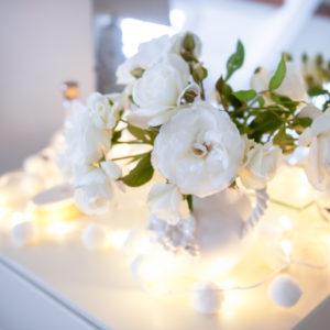 white pom pom LED fairy lights battery operated