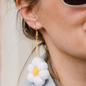 Flower pom pom earrings