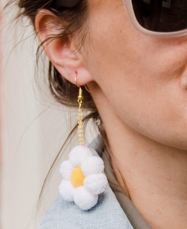 Flower pom pom earrings