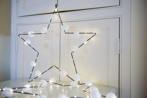 Star Pom Pom Light with LED pin lights