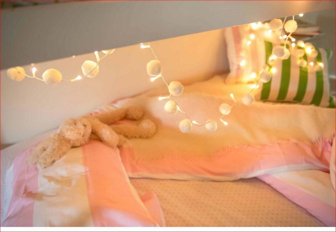 PomPom Galore White PomPom Light Chain girls bedroom